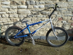 MONTY TRAILS BIKE